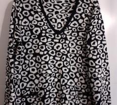 Crno-bijeli pulover