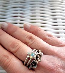 Trodjelni prsten opal