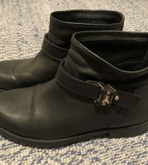 Patrizia Pepe crne kožne čizme vel. 39