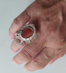 Srebrni prsten sa karneolom