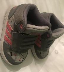 Adidas tenisice za djevojčice broj 22