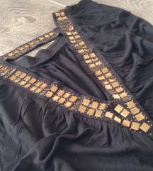 Nova crna bluza sa zlatnim zakovicama