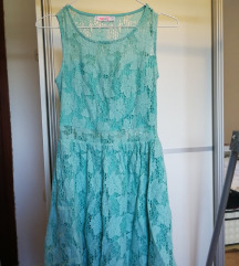 Plava čipkasta haljinica