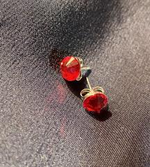 Crvene naušnice