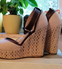 Kožne sandale na petu br.36