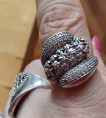 Veliki srebrni prsten