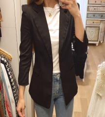 Crni blazer 😊🖤