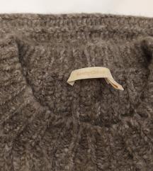 Chloe zimski pulover,vesta S