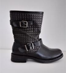 Čizme crne ravne niske bajkerske Josh