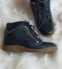 Cipele na petu 39