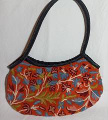 Mala cvjetna torbica