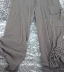 Maslinasto zelene sportske hlače