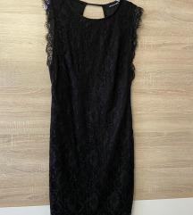 Crna čipkasta haljina