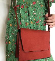 Pull&Bear mala crvena torba