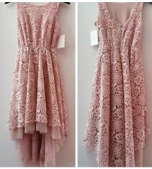 Čipkasata haljina, s etiketom