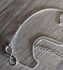 posrebrena ogrlica uklj PT