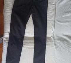 Crne jeans hlače