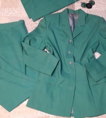 Zeleno odijelo/ kostim -3 dijela  40