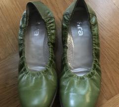 Ara zelene balerinke