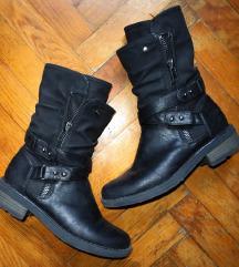 Humanic crne čizme