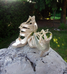 Sniženo - zlatne sandale, vel. 39, sad 130 kuna