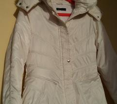 Snijezno bijela jaknica