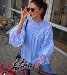 NINA SEW plava bluza na pruge s čipkom