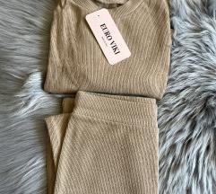 Komplet majica + duža suknja