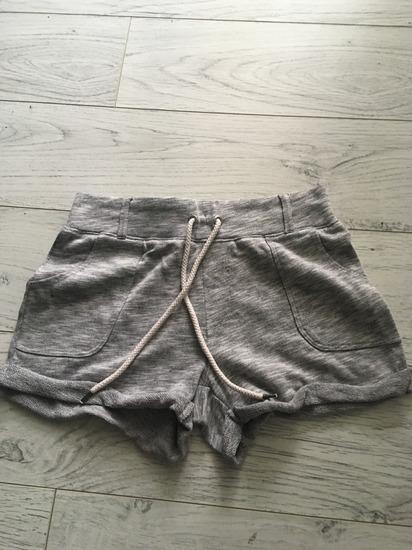 Sive kratke hlačice XS/S