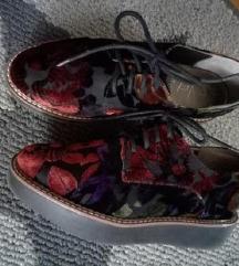 Cvijetne cipele