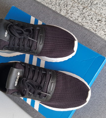 ** NOVE*** Patike Adidas