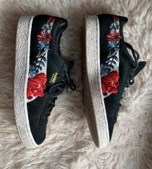 Puma crne suede floral tenisice