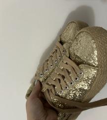 Zlatne patike 37