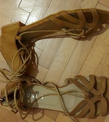 Sandale 38 NOVO