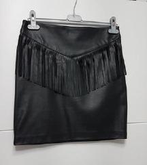Crna kozna suknja sa resicama