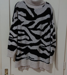 Oversized dugi pulover M/L