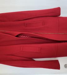 %% Kratki crveni kaput u odličnom stanju - snižen