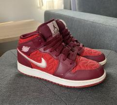Air Jordan 1 Mid SE GS 'Red Quilted'