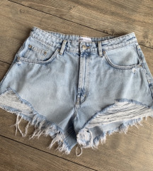 zara MOM fit ripped jeans