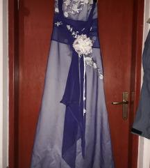 Ljubičata haljina od tila