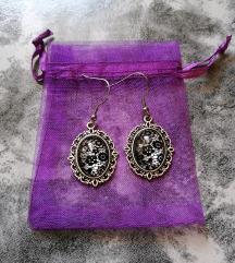 Naušnice ''Metallic lace'' (ručni rad)