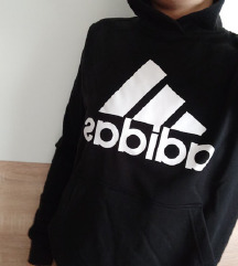 adidas crna majica na kapuljacu hudica