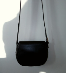 Prava, kožna Lacoste torbica