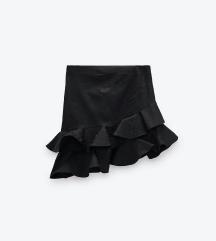 Crna suknja iz Zare
