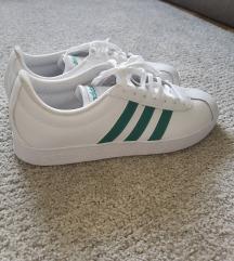 NOVE Adidas tenisice 43 1/3