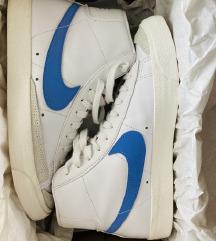 Snizenje!420HRK!Nike Blazer mid 77 tenisice