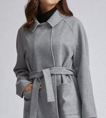 Ženska jakna/ kraći kaputić