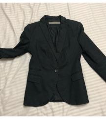 Crna jaknica Zara