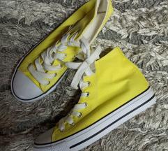 Nove žute visoke starke
