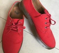 Crvene Martens cipele